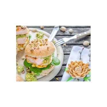 Burger saumon et guacamole pistache