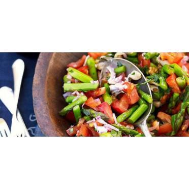 Salade de tomates, asperges et anchois