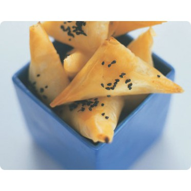Triangles de pâte filo au tarama